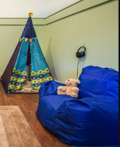 children's chair and play tent | Montrose, CO 81401